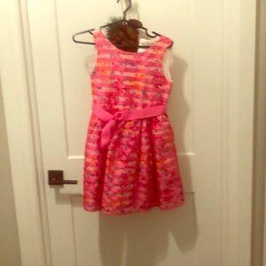 Cute party dress!